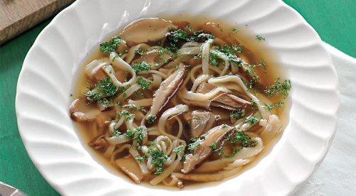Суп из сушеных белых грибов с лапшой