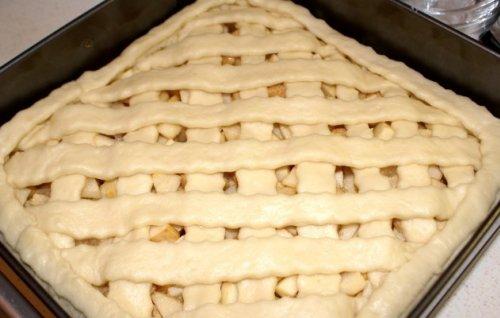 Пирог дрожжевой открытый