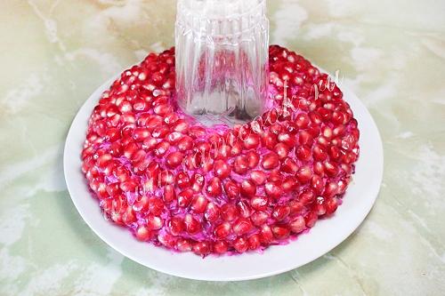 Рецепт салата гранатовый браслет с яблоками